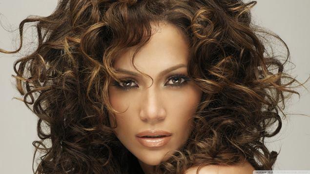 Tip-Menguruskan-Rambut-Kerinting