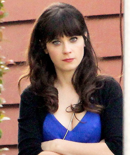 Zooey Deschanel filming New Girl