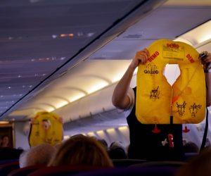 Tips Keselamatan Dalam Pesawat Yang Boleh Selamatkan Anda Dari Kecelakaan