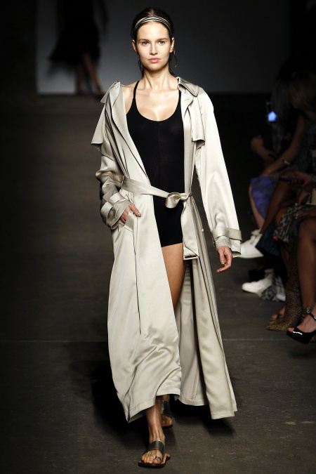 spring-2015-fashion-trend-relaxed-trench-tracey-reese-main