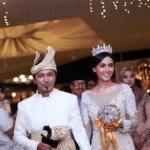 Siti Elizad Selamat Bersanding