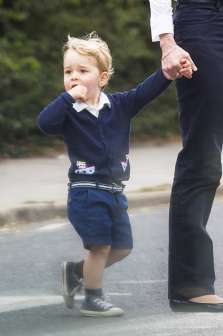 *** EXCLUSIVE *** Prince George with his nanny Maria Borrallo while they leave a central London park on a Sunday afternoon July 12, 2015.