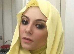 Sarah Hildebrand Berhijab