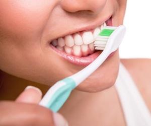 Tip Gigi Putih Berseri