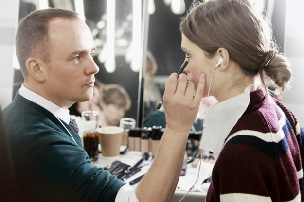 peter-philips-maquilleur-backstage-maquillage-du-defile-metiers-d-art-paris-edimbourg-de-chanel (1)