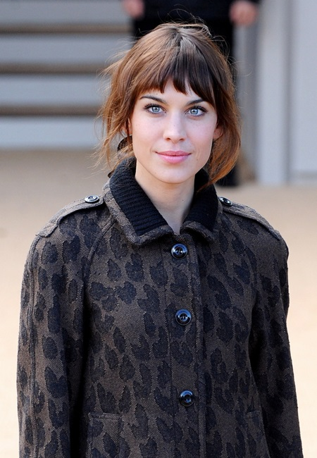 September 16th, 2013 - London Alexa Chung arriving at the Burberry Prorsum show during London Fashion Week in London, UK on September 16, 2013 ****** BYLINE MUST READ : © Spread Pictures ****** ****** No Web Usage before agreement ****** ****** Stricly No Mobile Phone Application or Apps use without our Prior Agreement ****** Enquiries at photo@spreadpictures.com