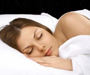 5 Cara Efektif Kuruskan Badan Ketika Tidur