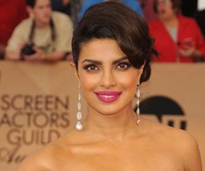 Priyanka Chopra Bakal Berlakon Filem Baywatch