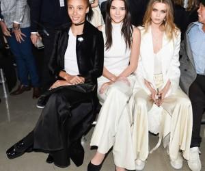 Siapa Selebriti di Front Row Calvin Klein?