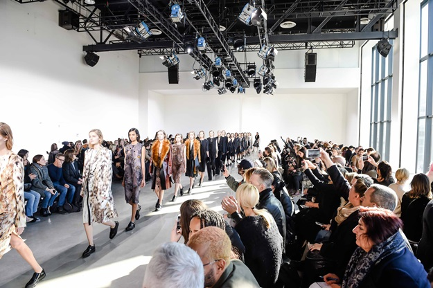 CALVIN KLEIN COLLECTION PRESENTS: THE WOMEN'S FALL 2016 RUNWAY SHOW