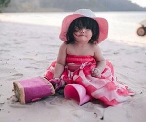 Gambar Comel Aaisyah Dhia Rana Di Pantai
