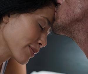 Maksud Ciuman Lelaki