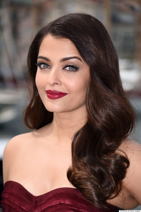 """CANNES, FRANCE - MAY 19: Actress Aishwarya Rai attends the """"Jazbaa"""" Photocall during the 68th annual Cannes Film Festival on May 19, 2015 in Cannes, France. (Photo by Venturelli/WireImage)"""