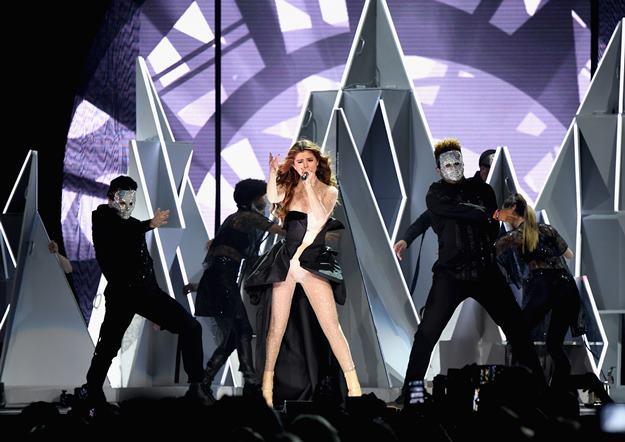 Selena-Gomez-2016-05-06-Revival-Tour-Las-Vegas-2