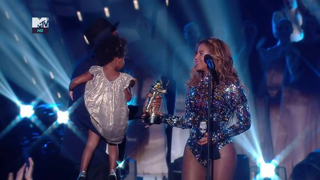 25.08.14 2014 MTV Video Music Awards (VMAs) - TV coverage.. Pictured: Beyoncé Knowles-Carter, Blue Ivy Carter and Shawn Carter aka Jay-Z PLANET PHOTOS www.planetphotos.co.uk info@planetphotos.co.uk +44 (0)20 8883 1438