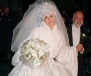 Busana Perkahwinan Paling Mengejutkan
