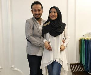 Yana Samsudin dan Fadzil Zahari Selamat Timang Anak Sulung
