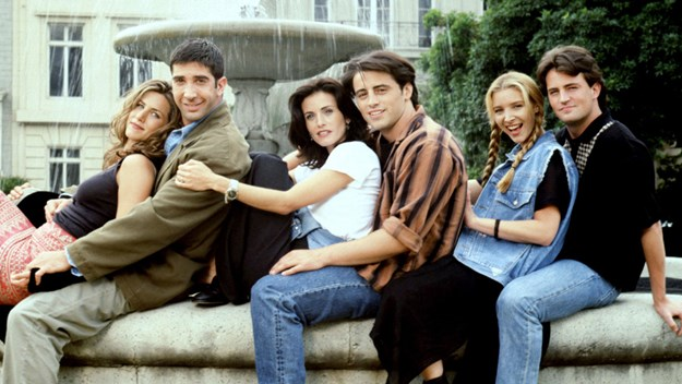 FRIENDS, Jennifer Aniston, David Schwimmer, Courteney Cox Arquette, Matt LeBlanc, Lisa Kudrow, Matthew Perry, (Season 1), 1994-2004, © Warner Bros. / Courtesy: Everett Collection