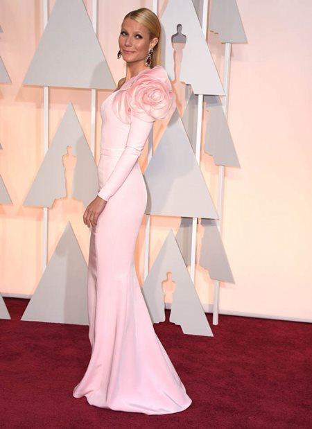 gwyneth_paltrow_2015_oscars_light_pink_one_sleeve_formal_red_carpet_dress_6