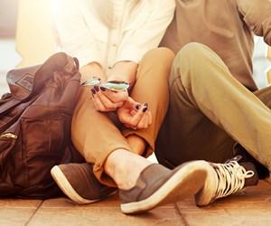 9 Tanda Anda Adalah Kekasih Clingy Dalam Perhubungan