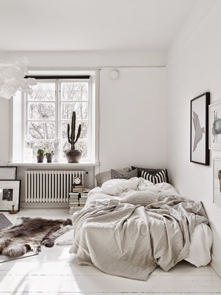 Bagi Menyelamatkan Lagi Ruang Pada Bilik Tidur Tolak Katil Anda Ke Dinding Dengan Cara Ini Saya Mendapat Yang Lebih Luas Untuk Berjalan