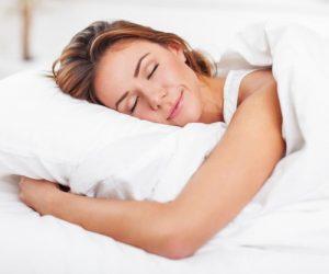 Sebab Mengapa Anda Perlu Tidur Tanpa Seluar Dalam!