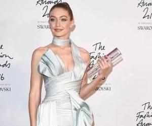 Gaya Terbaik di British Fashion Awards 2016