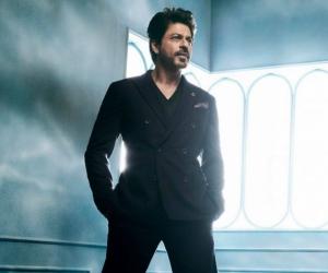 Shah Rukh Khan Pernah Menyorok Di Dalam Bonet Kereta Elak Dari Peminat