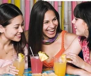 Cara Ini Boleh Buatkan Persahabatan Baru Itu Tidak Awkward Dan Berkekalan