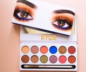 Pengguna Mengadu Sakit Kepala Pabila Menggunakan Produk Kosmetik Kylie Jenner
