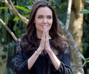 Angelina Jolie Buat Pertama Kali Buka Mulut Mengenai Keluarga