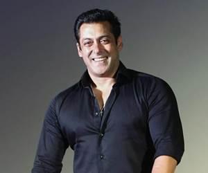 Salman Khan Diiktiraf Sebagai Bintang Bollywood Dengan Bayaran Tertinggi 2017