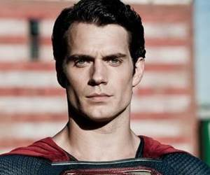 Bintang Superman, Henry Cavill Setuju Digandingkan BersamaTom Cruise Dalam Filem Mission : Impossible 6