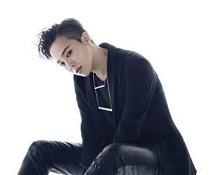 Tiket Konsert Terakhir G-Dragon Sebelum Menyertai Latihan Ketenteraan Laris Terjual
