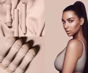 Koleksi Solekan Terbaru Kim Kardashian Habis Terjual Dalam Masa Tiga Jam