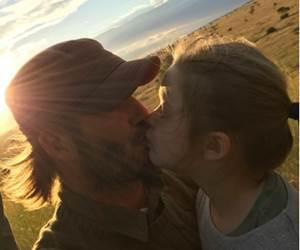 David Beckham Dikecam Gara-gara Mencium Bibir Anak Perempuannya