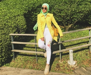 Vogue Gelar Elfira Loy Selena Gomez Malaysia
