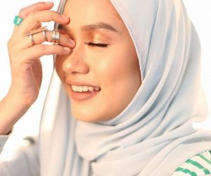 Hijrah Liyana Jasmay, Aktres & Penyanyi Ini Kini Berhijab