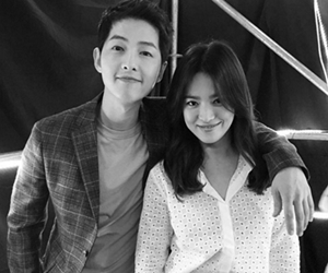 Song Joong Ki Dan Song Hye Kyo Bakal Berkahwin Oktober Nanti