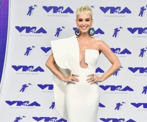 Gaya Selebriti Hollywood di Karpet Merah VMA