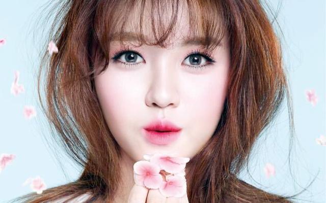 http://eh.com.my/koreabuzz/7-warna-bibir-menggoda-pilihan-wanita-korea-bikin-lelaki-cair/