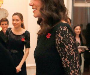Kate Middleton Tayang Baby Bump