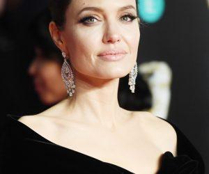 Angelina Jolie Kini Berpacaran Dengan Ejen Hartanah Kacak?
