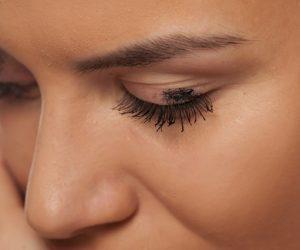 Cara Paling Mudah Untuk Menanggalkan Maskara Tanpa Menyebabkan Bulu Mata Gugur