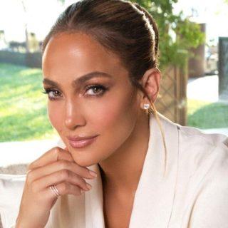 Jennifer Lopez Dituduh Guna 'Berjuta' Filter Untuk Jual Produk Kecantikan