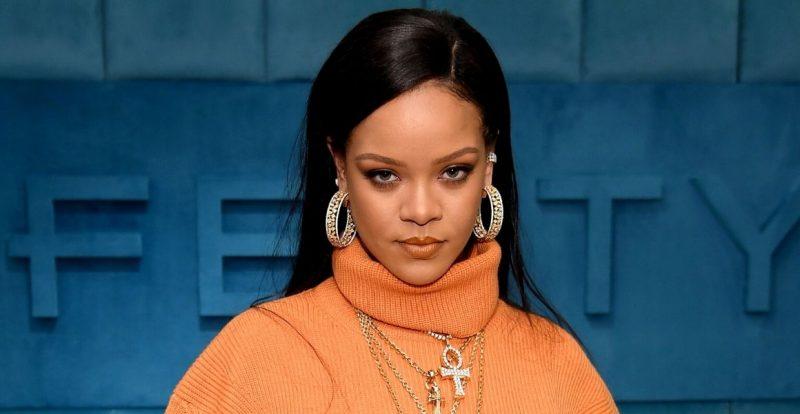 Rihanna Bakal Lancar Rangkaian Penjagaan Rambut Fenty
