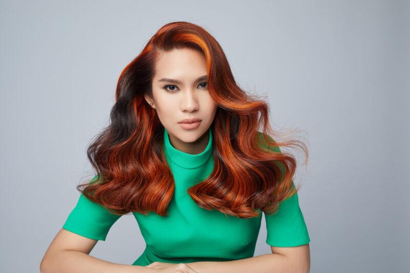 Terserlah personaliti penyanyi Indah Ruhaila bersama pilihan warna rambut Copper oleh IGORA ROYAL.