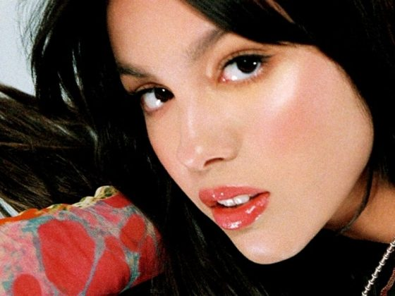Olivia Rodrigo Dituduh Menciplak Idea Kulit Album Kumpulan Hole