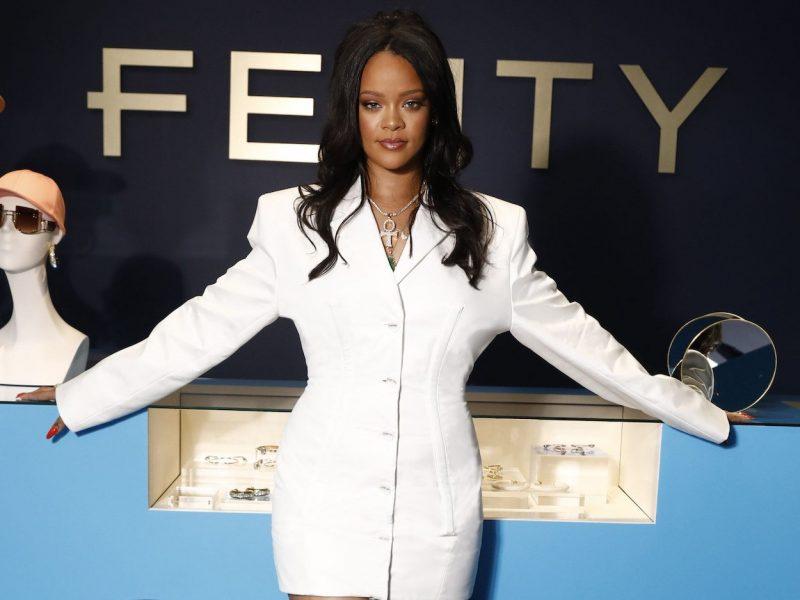 Rihanna Capai Status Billionaire, Semuanya Kerana Fenty Beauty