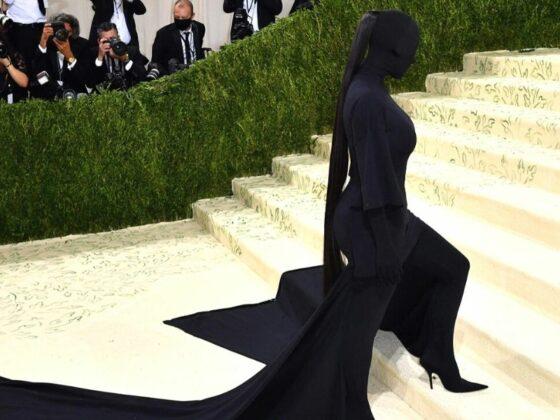 Penampilan Kim Kardashian Di Met Gala 2021 Menjadi 'Meme' Hangat Di Twitter